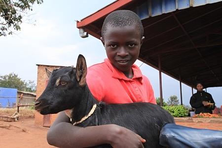 Юный руандиец